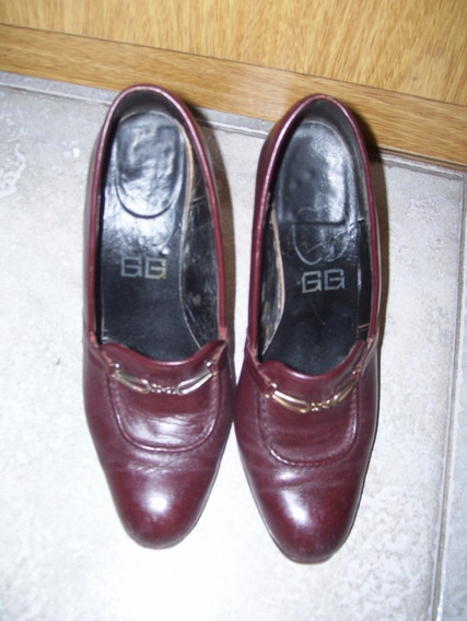 Zapatos De Cuero D Señora. Color Bordo. Marca Gg. Taco 9 Cm.