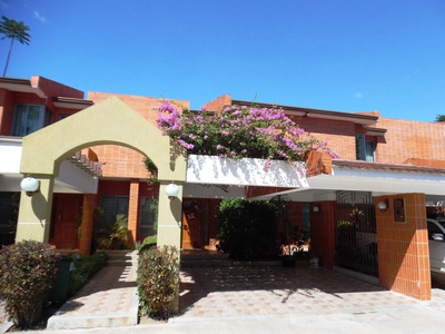 Gp Espectacular Townhouse En Mañongo!!