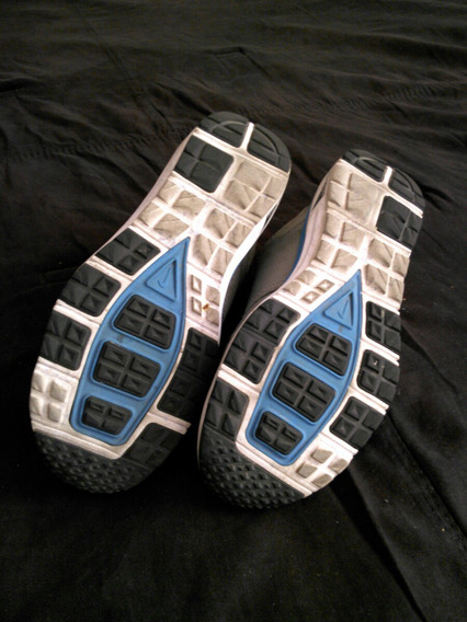 10221419-tennis Nike