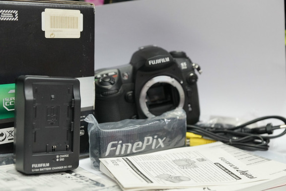 Camara Fuji S5 Profesional Es Nikon D200 Totalmente Nueva!!