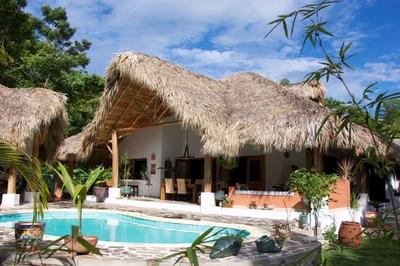 Villa Amueblada En Las Terrenas, 4hab. 4baños, 2pq, Piscina