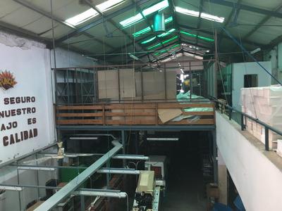 Local Industrial A Metros De Agraciada En Pleno Paso Molino!