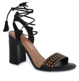 Sandália Com Bordado Dakota