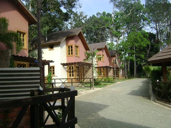 Renta Temporaria, Hermosa Villa En Jarabacoa.