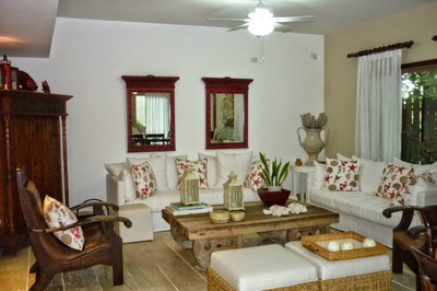 Exclusiva Villa Tipo Townhouse, Balcones Del Atlántico