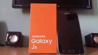 Smartphone J5 Simi Novo Sem Detalhes.