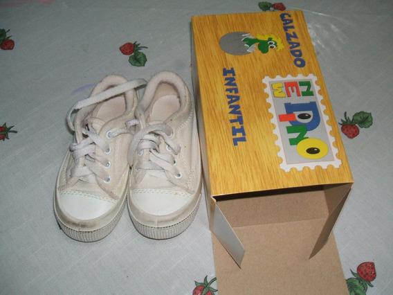 Zapatillas De Lona Con Cordón Blancas Marca New Dino