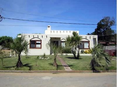 Casa En Zona Centro De La Paloma A 2 Cuadras Playa