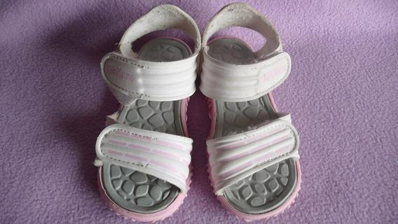 Sandalias Kickers Para Nena Con Abrojo Y De Goma