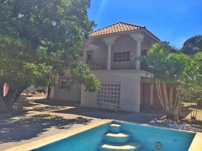 Casa De 4 Habs. 4.5baños, Patio, Piscina, Terraza, Bbq