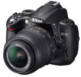 Maquina Nikon D5000 Com Lente Original 18-55mm Pouco Uso