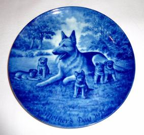 Prato Coleção Porcelana Alemã Cães Azul Branco Ed. Limitada