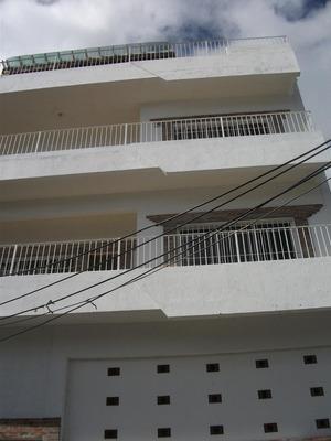 Edificio Remodelado En La Zona Colonial