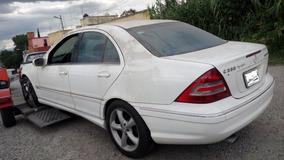 Mercedes Benz C230 Refaaciones, Desarmo, Deshueso