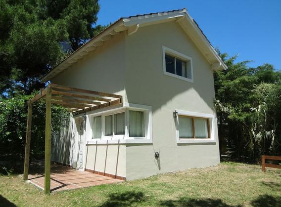 Casa En Pinamar A 3 Cuadras De La Playa! Jardín Y Parrilla