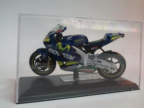 Moto De Competicion A Escala Honda Rc211v Team Movistar