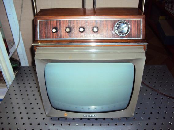Televisão Portátil Colorado R Q Modelo: T.p.v. 31 N