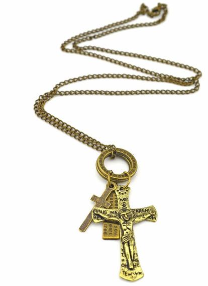 Belo Colar De Metal Com Dois Crucifixos E Plaquetas