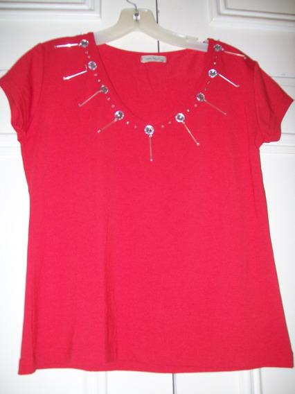 Remera De Vestir Roja, Con Apliques Plateados T. 3