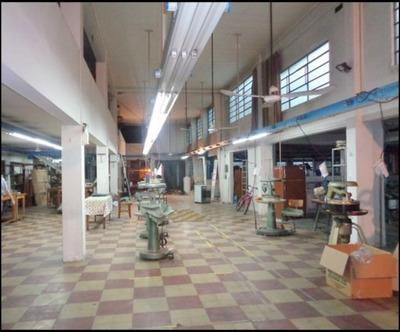 Local Industrial Mts De Br.batlle Y Ordoñez Y Av.san Martin
