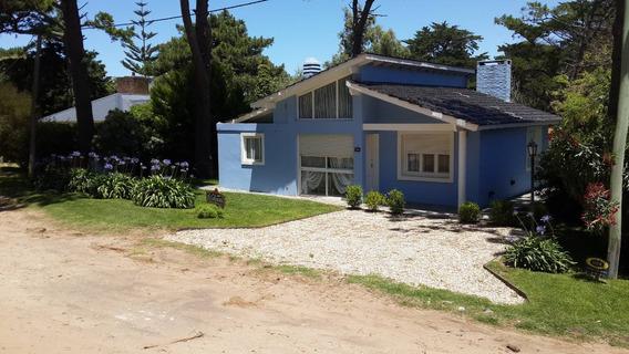 Casa En Pinamar 150 Mts Del Mar. (disponible).