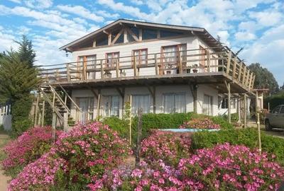 Arriendo Cabaña Frente A Pichidangui; Linda Vista Al Mar