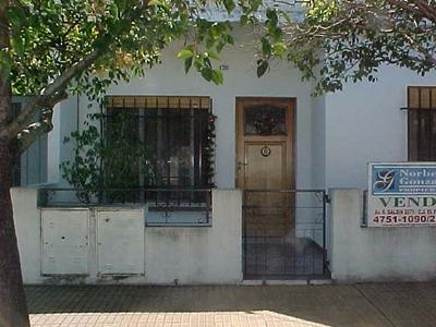 Alquilo Casa Muy Linda De 3 Ambientes Patio Zona Peugeot