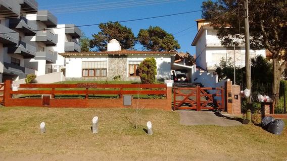 Departamento Con Parque. Av.2 Y142. V. Gesell. Por Quincenas