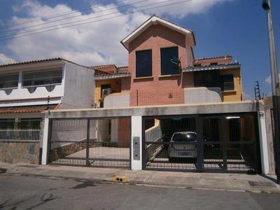 H.a Townhouse En Venta En Las Quintas