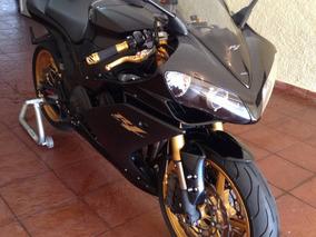 Yamaha R1 - Preta + Acessórios Top