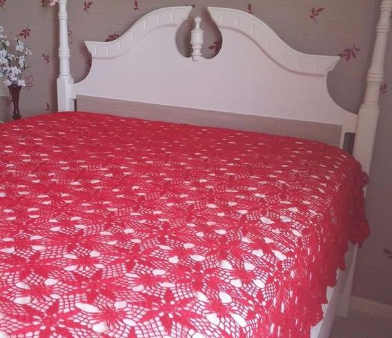 Colcha Em Crochet Feita A Mão. Tamanho: 2,54m X 1,95m