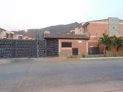 Gp En Venta Moderno Town House De 110m2 En Urb. El Rincon