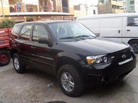 Camioneta 4x4 Ford Escape Casi Nueva