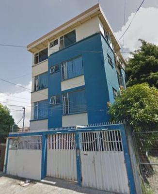 Vendo Casa Rentera 4 Pisos 6 Departamentos