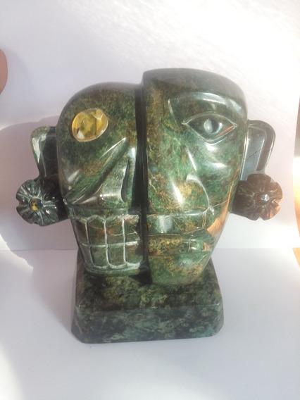 Mascara De Jade Con Incrustación De Àmbar