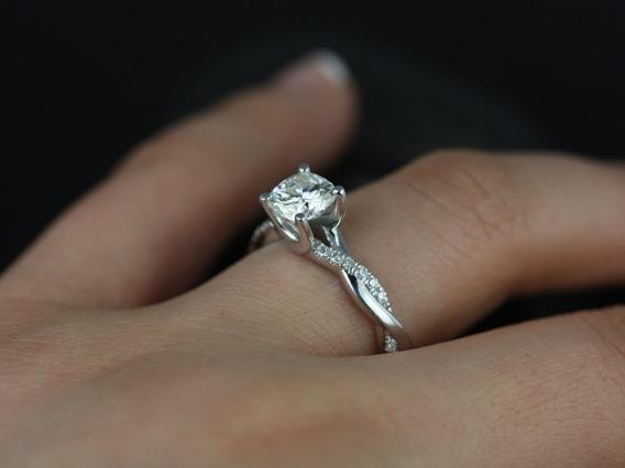 Anel Solitário Deouro Branco18k Mais 40 Pontos Em Diamantes