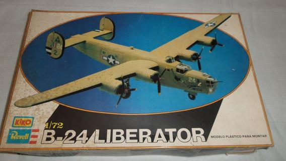 Avião Bombardeiro B-24 Liberator 1:72 Revell Kiko Antigo.