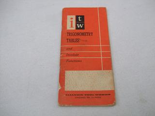 Libro De Tablas De Trigonometria Y Funciones Vintage 1958