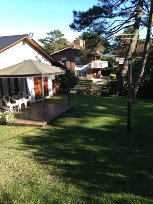 Casa En Pinamar, 4 Dorm. Terreno 700mts En Esq (permuto)