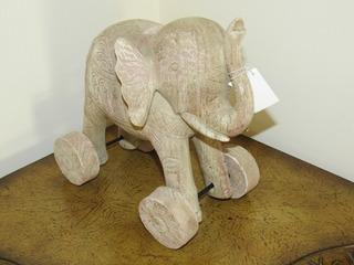 Elefante Estilo Caballito De Troya