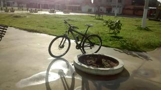 Bike Aro 29 ,quadro Monaco E Peças Shimano