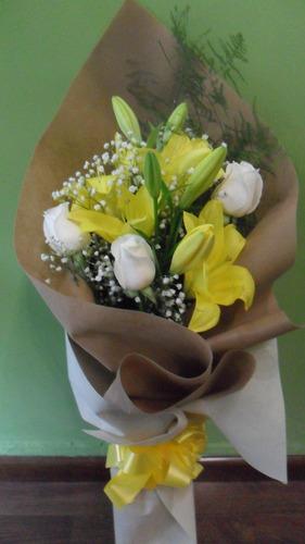 Ramo Mixto De Rosas Y Liliums
