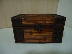 Caixa Porta Jóias De Madeira Com Fibras Naturais