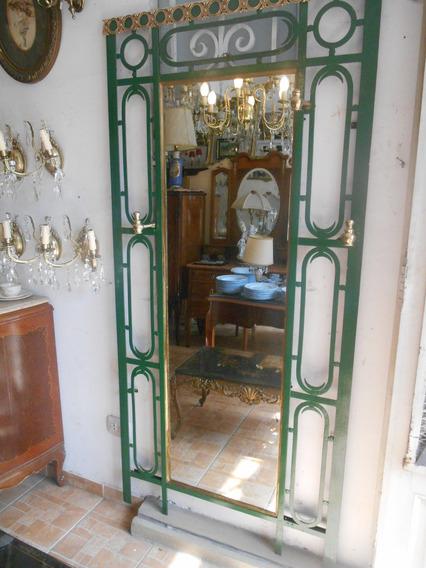 Antiguo Perchero De Pared De Hierro Y Bronce Con Espejo