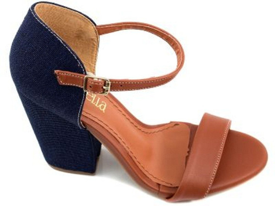 Sandália Bege E Jeans