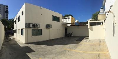 Casa En El Millon, Dos Niveles, Calle Comercial, 436m2.