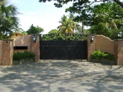 Rb Venta Casa, Galpon, Caballeriza Y Terreno 7729mts.