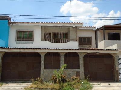 Jc Vende Bella Quinta En Las Quintas De Naguanagua