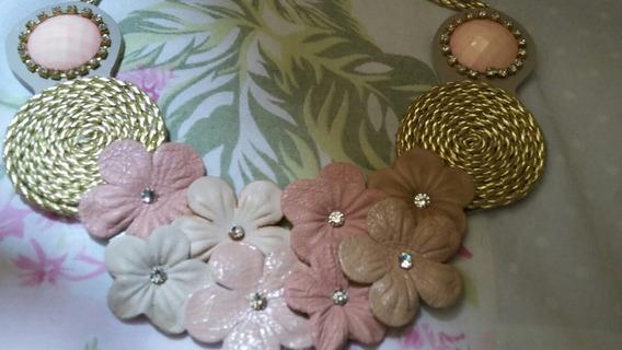 Maxi Colar Rosa Flores Corda Dourada