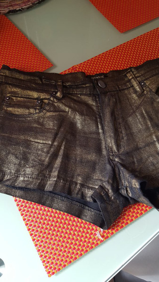 Shorts Marca Peuque